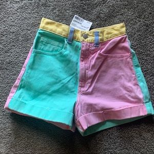 High waisted, Color block shorts